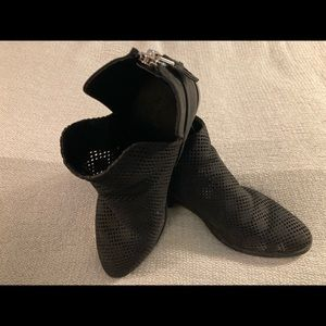 Expression Booties Black Vegan Suede Sz 9